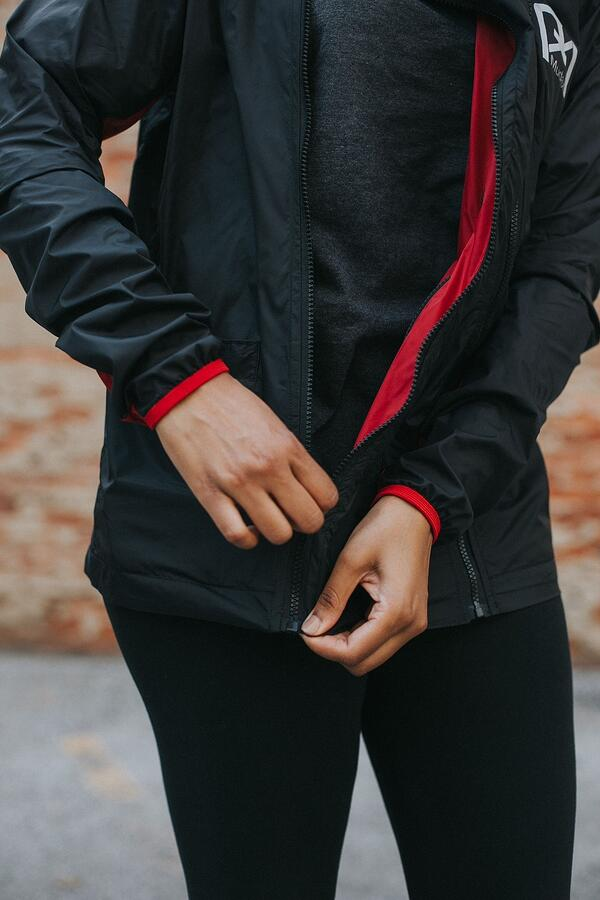 Learn how to become a fashion entrepreneur in athletic wear. | MakersValley Blog