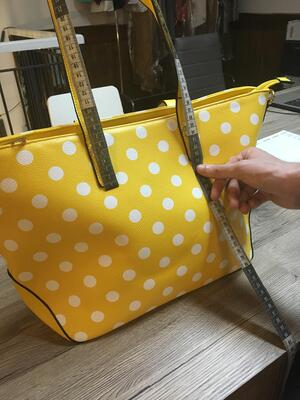 Customize a white label Italian handbag to create your own unique product. | MakersValley Blog