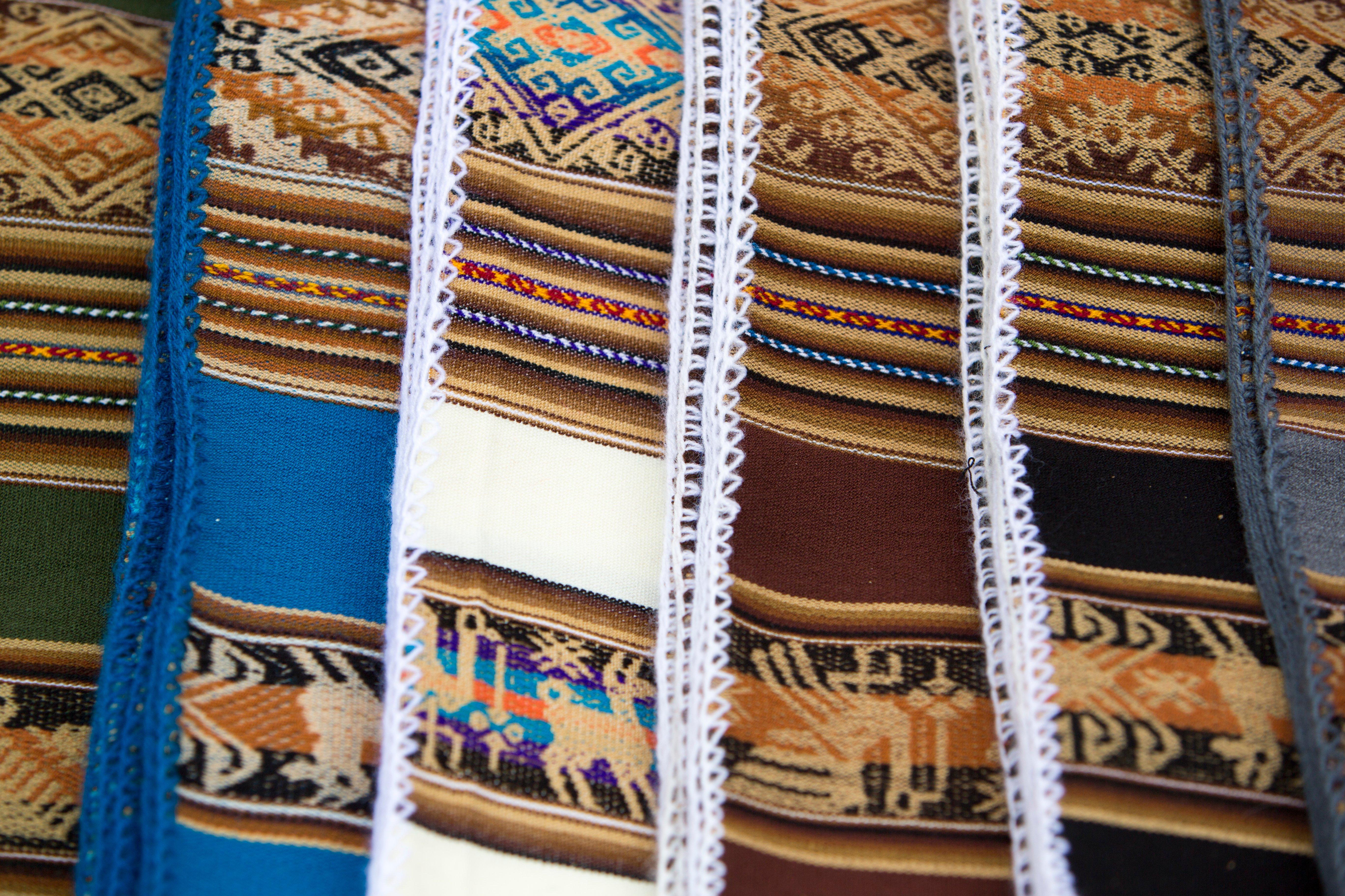 colored-fabrics-from-bolivia