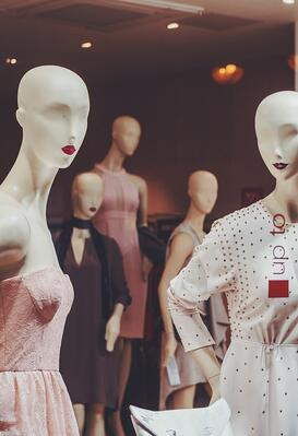 5 tips to make fashion merchandise buyers your best customers | MakersValley Blog