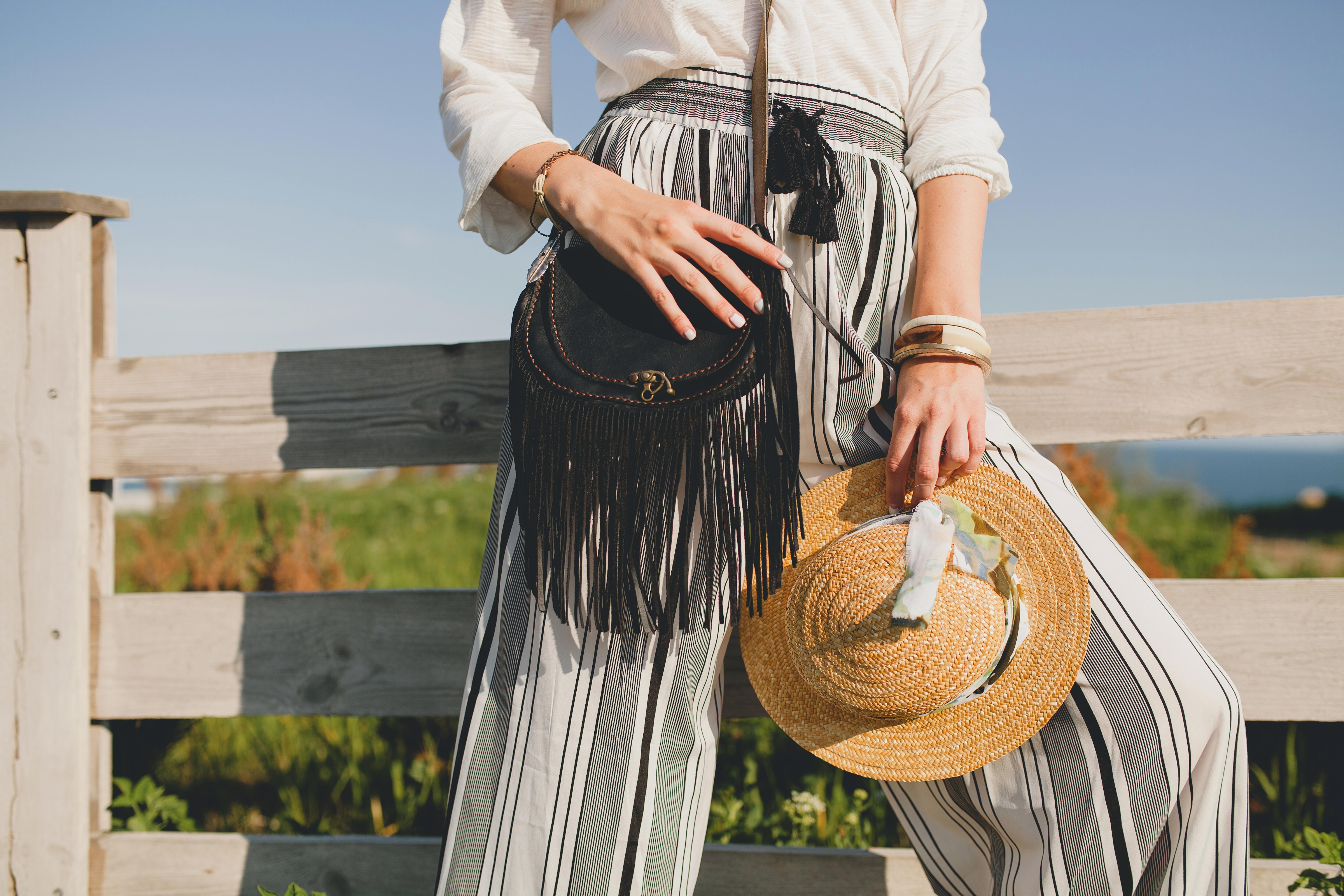 beautiful-stylish-woman-spring-summer-fashion-tren-6N6JY7Z